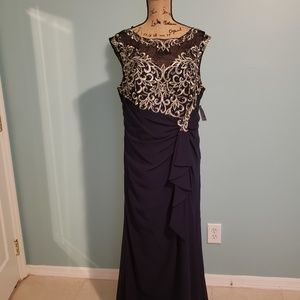 NEVER WORN EVENING GOWN/BRIDAL GOWN/MOB GOWN